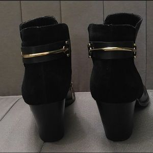 Ivanka Trump Ankle Boots with Gold Bar 🕶